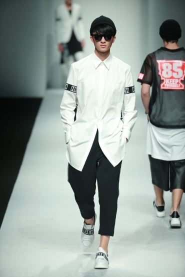 hui-by-eran-hui-spring-summer-2016-shanghai-fashion-week-22