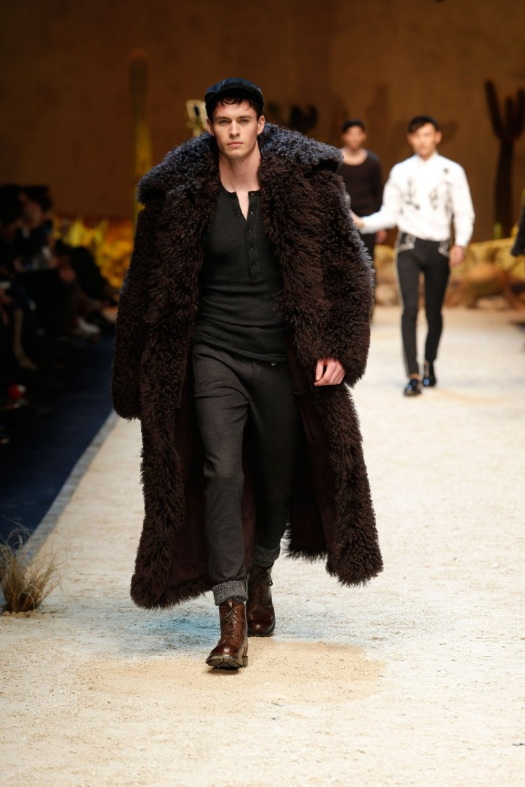 dolce-and-gabbana-fall-winter-2016-17-men-fashion-show-runway-03-800x1200