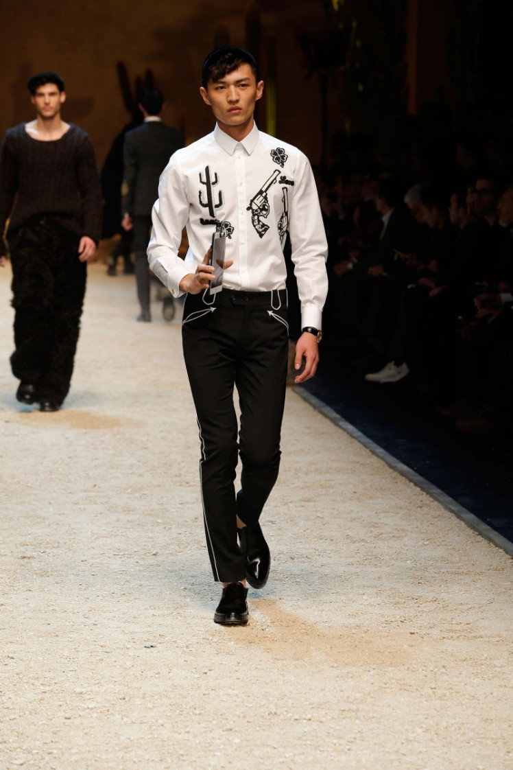 dolce-and-gabbana-fall-winter-2016-17-men-fashion-show-runway-04-800x1200