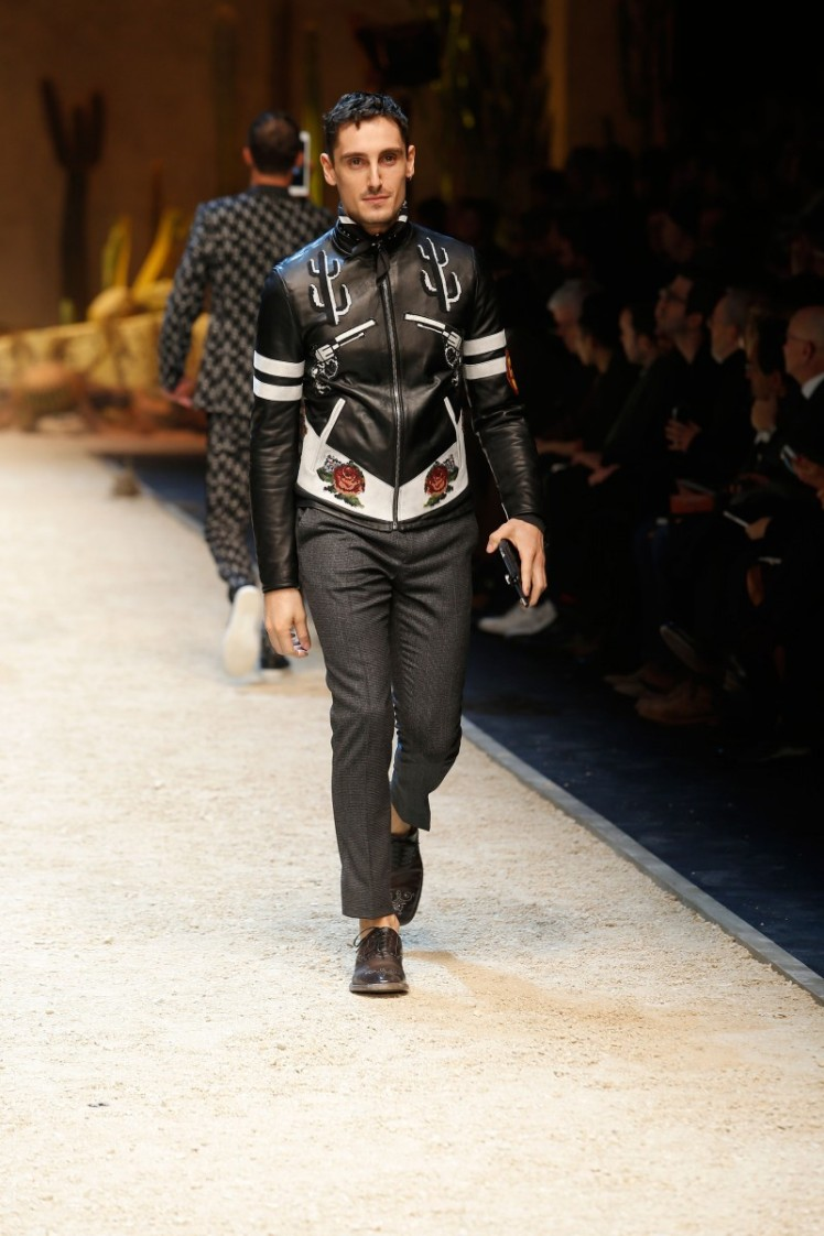 dolce-and-gabbana-fall-winter-2016-17-men-fashion-show-runway-22-800x1200