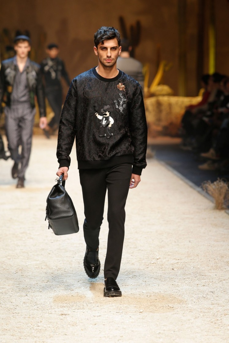 dolce-and-gabbana-fall-winter-2016-17-men-fashion-show-runway-35-800x1200