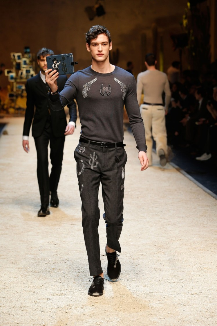 dolce-and-gabbana-fall-winter-2016-17-men-fashion-show-runway-41-800x1200