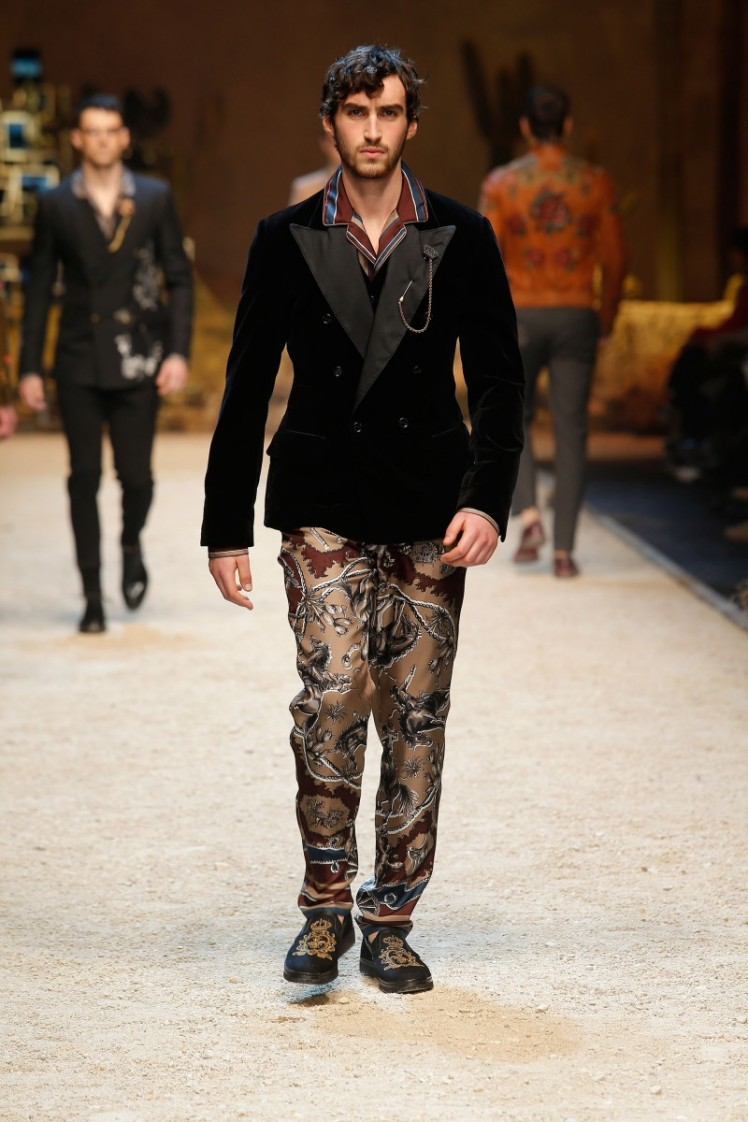 dolce-and-gabbana-fall-winter-2016-17-men-fashion-show-runway-59-800x1200